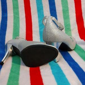 NWOT Rampage Roamona strap heels Silver size 9 1/2